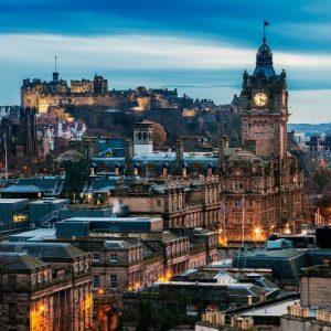 Följ med till Edinburgh 12