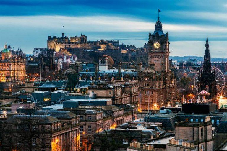 Följ med till Edinburgh
