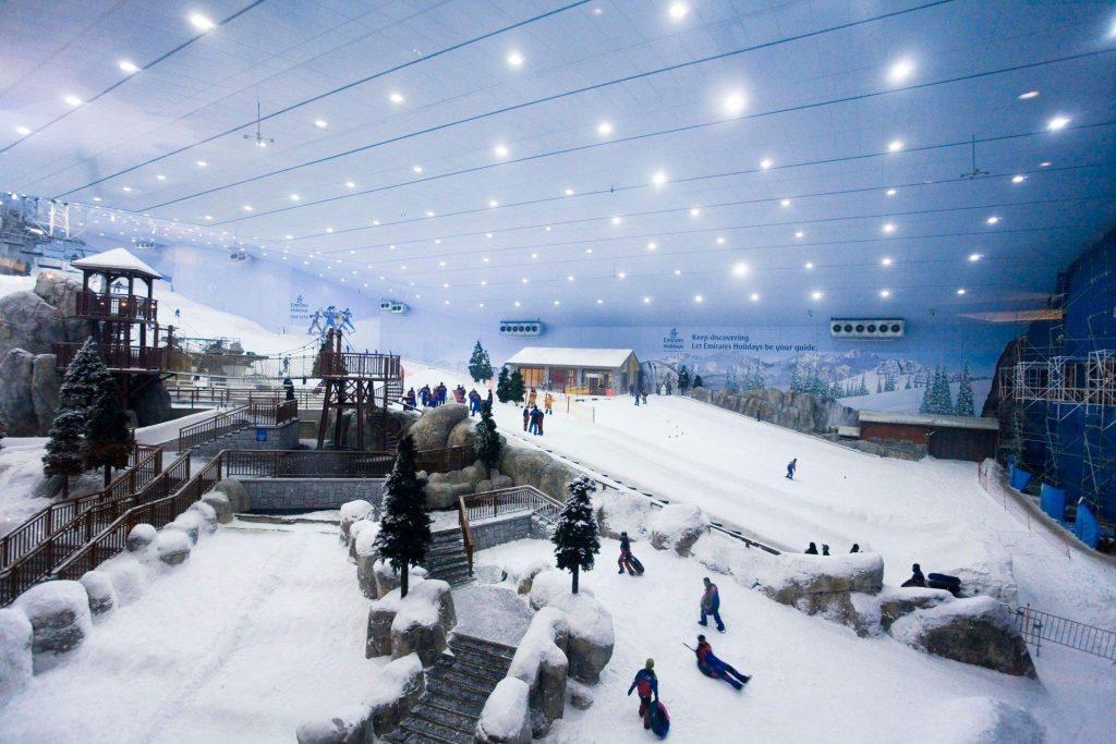 Ski-Dubai-Tatler-16jan14_alamy_b