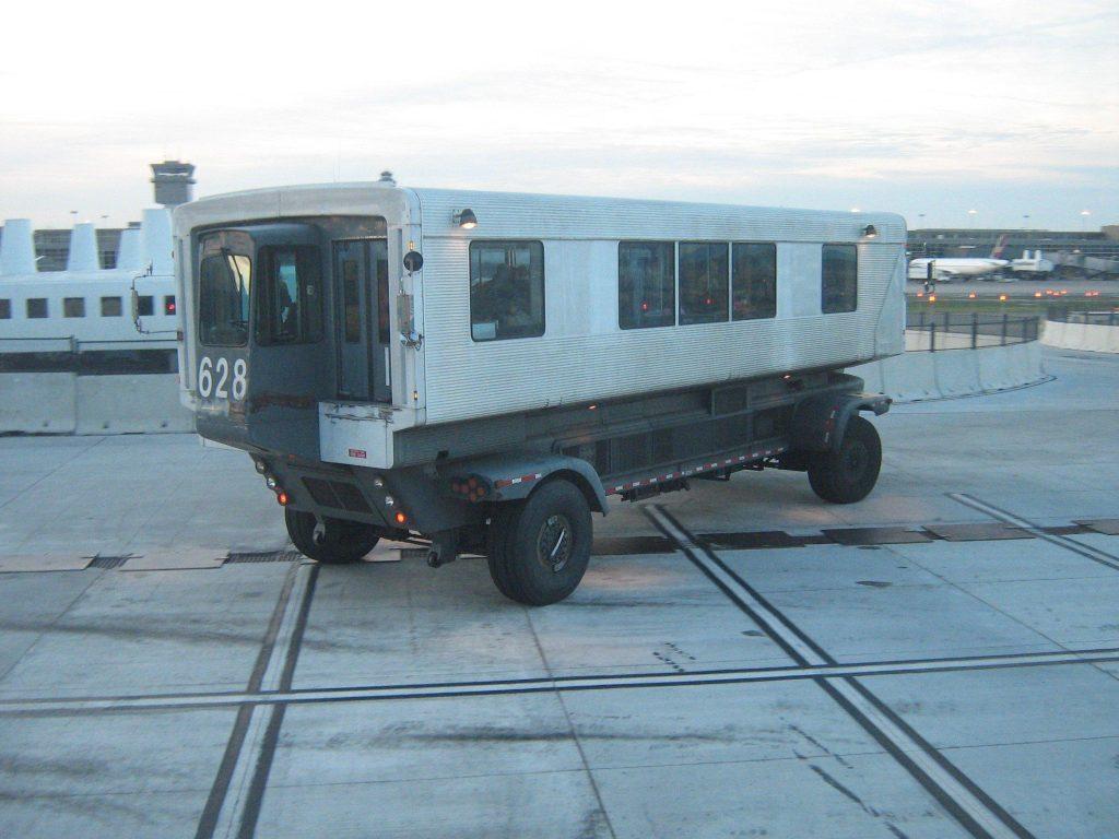Resesidan.se om Dulles transport