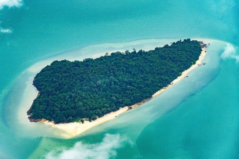 Upplev unika öar och platser med Star Clippers