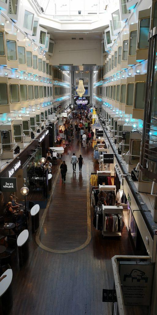 Shoppinggata Silja Line - Resesidan