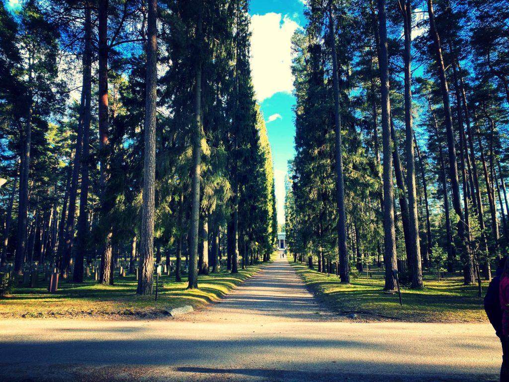 Skogskyrkogården, Resesidan